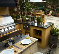 Outdoor Kitchens/Grills